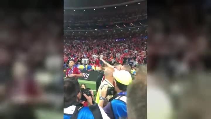 Champions League: Jordan Henderson y el tierno abrazo con su padre