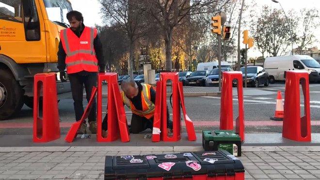 Comienza la instalación de nuevo Bicing de Barcelona en la parada de La Maquinista.