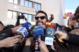 Dani Mateo, a la salida de los juzgados de Plaza de Castilla.