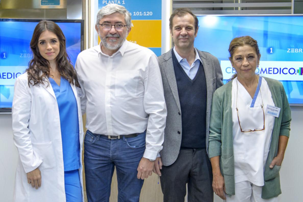 Lolita y Elena Furiase ya posan juntas en el 'Centro Médico' de La 1