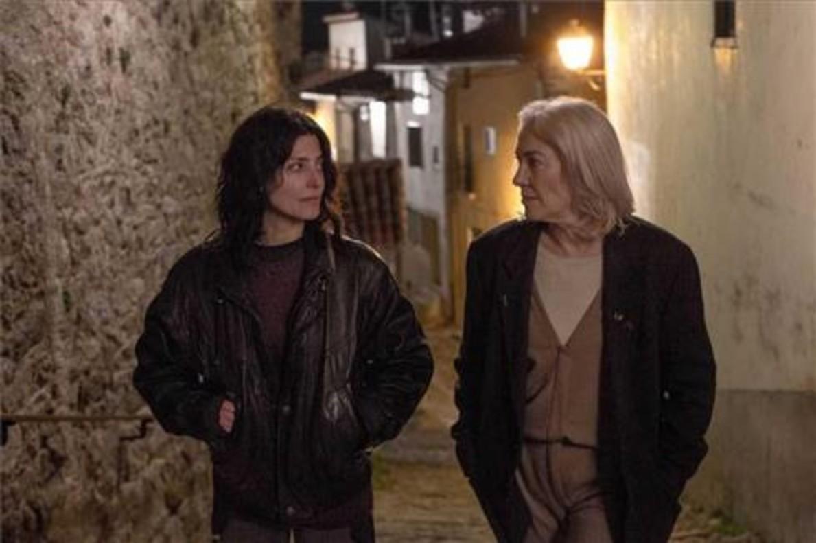 Bárbara Lennie (izquierda) y Susi Sánchez protagonizan un apasionante duelo interpretativo.
