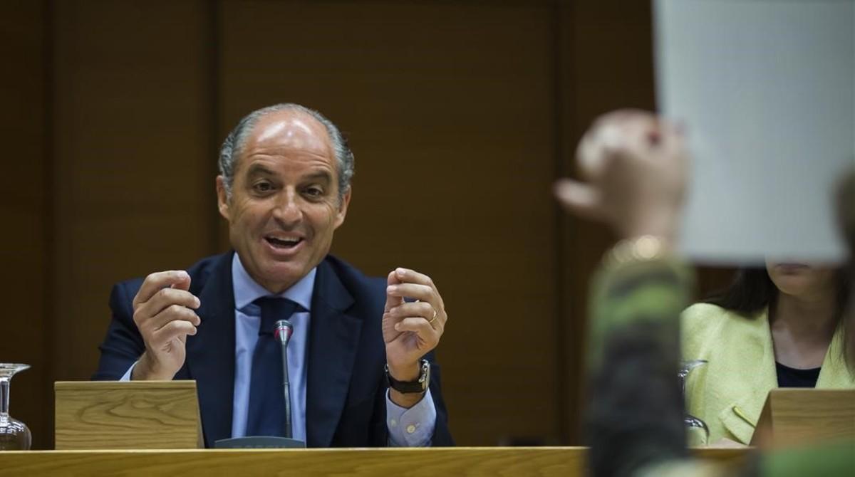 Francisco Camps, este lunes, en el Parlamento valenciano.