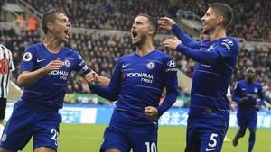 Hazard, la estrella del Chelsea, celebra uno de sus goles.