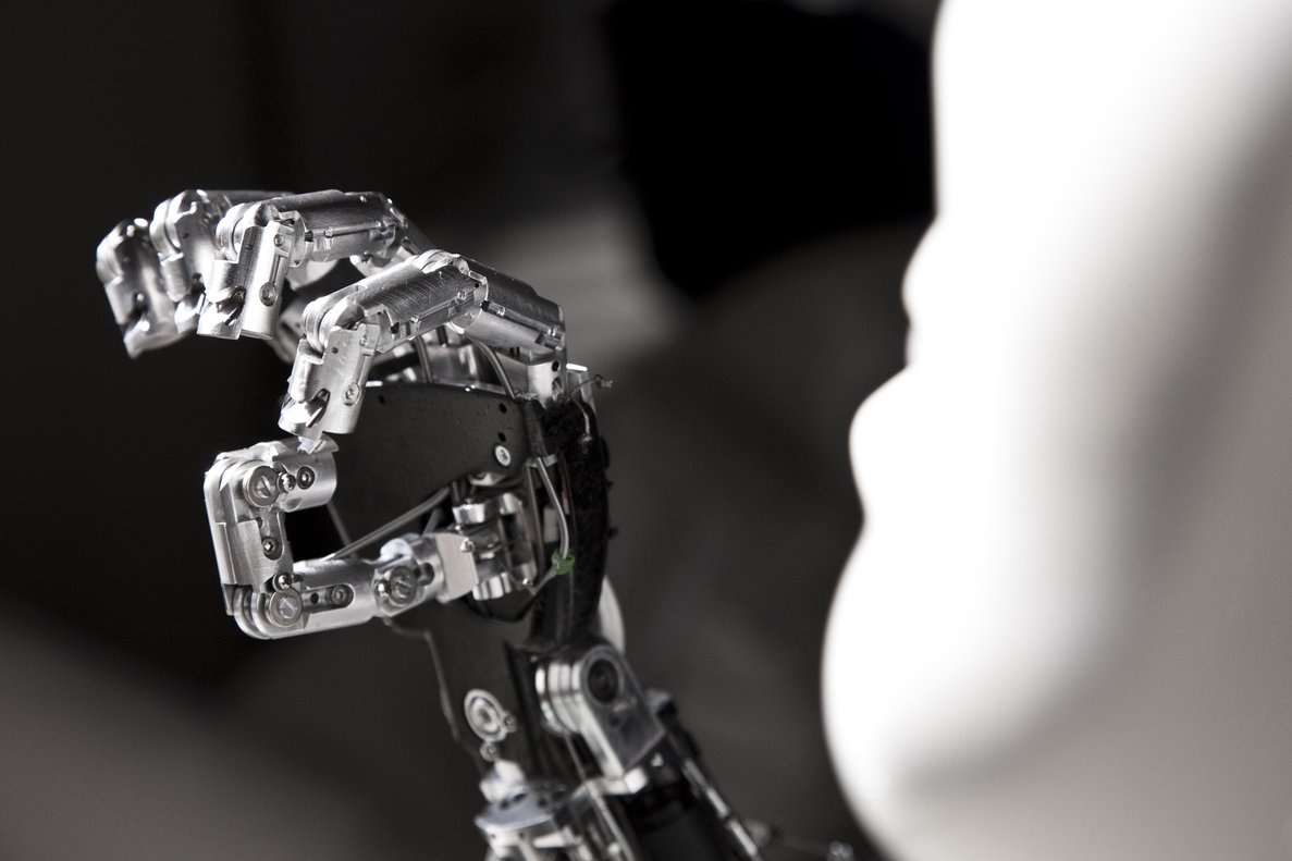 La Inteligencia Artificial se teñirá de humanidad: definiendo valores y principios