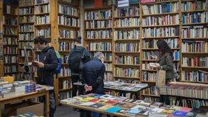 Interior de la librería Taifa de Barcelona, a primeros de noviembre.