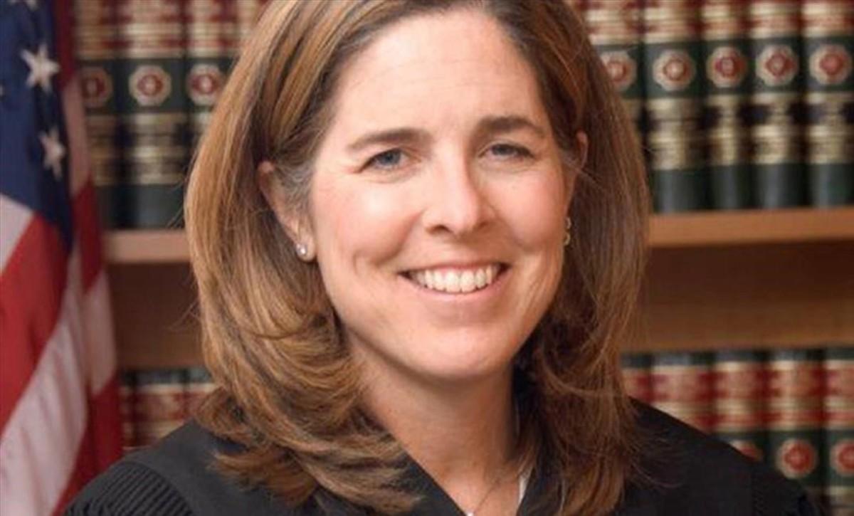 La jueza Ann Donnelly.