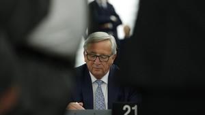 Juncker, ante los miembros del Parlamento Europeo.