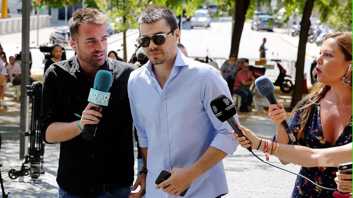 Un jutge de Barcelona absol l''estafador de l'amor'