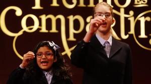 Las niñas de la suerte que cantaron el premio gordo de la lotería de Navidad del 2016.