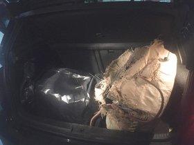 La policia local de Mataró confisca 54 kg de droga amagats al maleter d'un cotxe