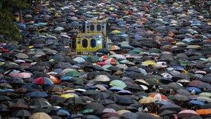 Manifestación en las calles de Hong Kong, este domingo.