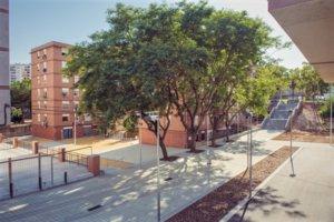 La manzana de viviendas reformada en L'Hospitalet de Llobregat.