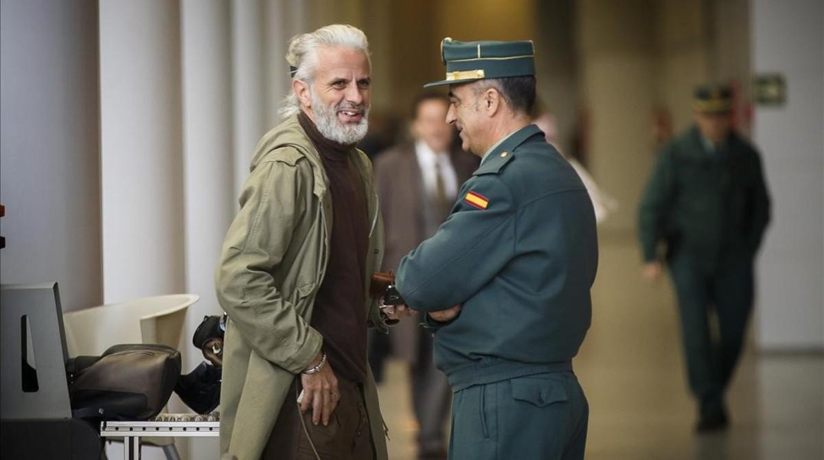 Marcos Benavent, este viernes, a su llegada a los juzgados de Valencia.
