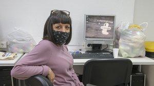 María, en la sede de la organización T'Acompanyem.