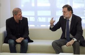 El presidente del Gobierno, Mariano Rajoy,durante la reunion que ha matenidoen La Moncloa con Unai Sordo, el nuevo secretario general de CCOO.