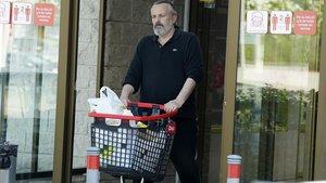 Miguel Bosé, salendo del DIA el 23 de julio pasado