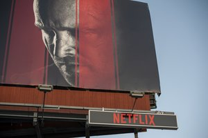 Los Angeles (United States), 18/10/2019.- A billboard promoting the Netflix production 'El Camino' hangs above the Sunset Strip in Los Angeles, California, USA, 18 October 2019. On 17 October 2019 Netflix reported earnings of 1.47 US dollar per share, compared to analysts estimates of 1.05 US dollar per share. (Estados Unidos) EFE/EPA/CHRISTIAN MONTERROSA