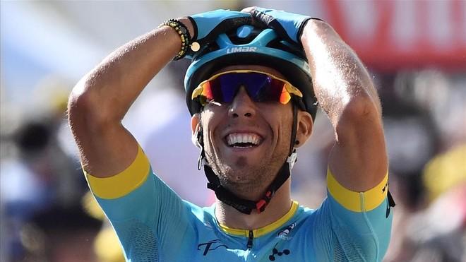Omar Fraile celebra el triunfo en Mende.
