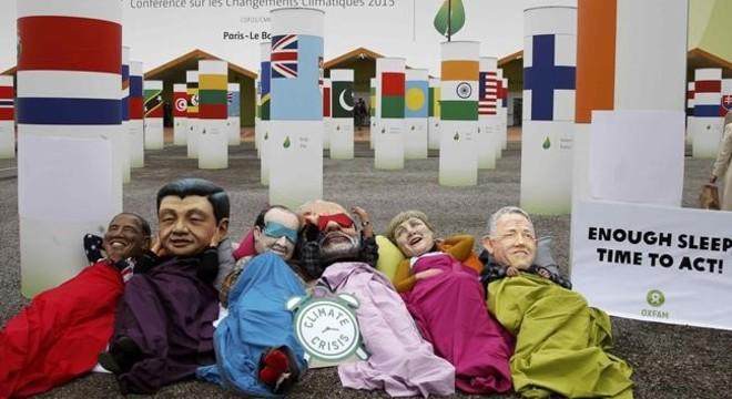 La cumbre del clima progresa a trompicones hacia un acuerdo final