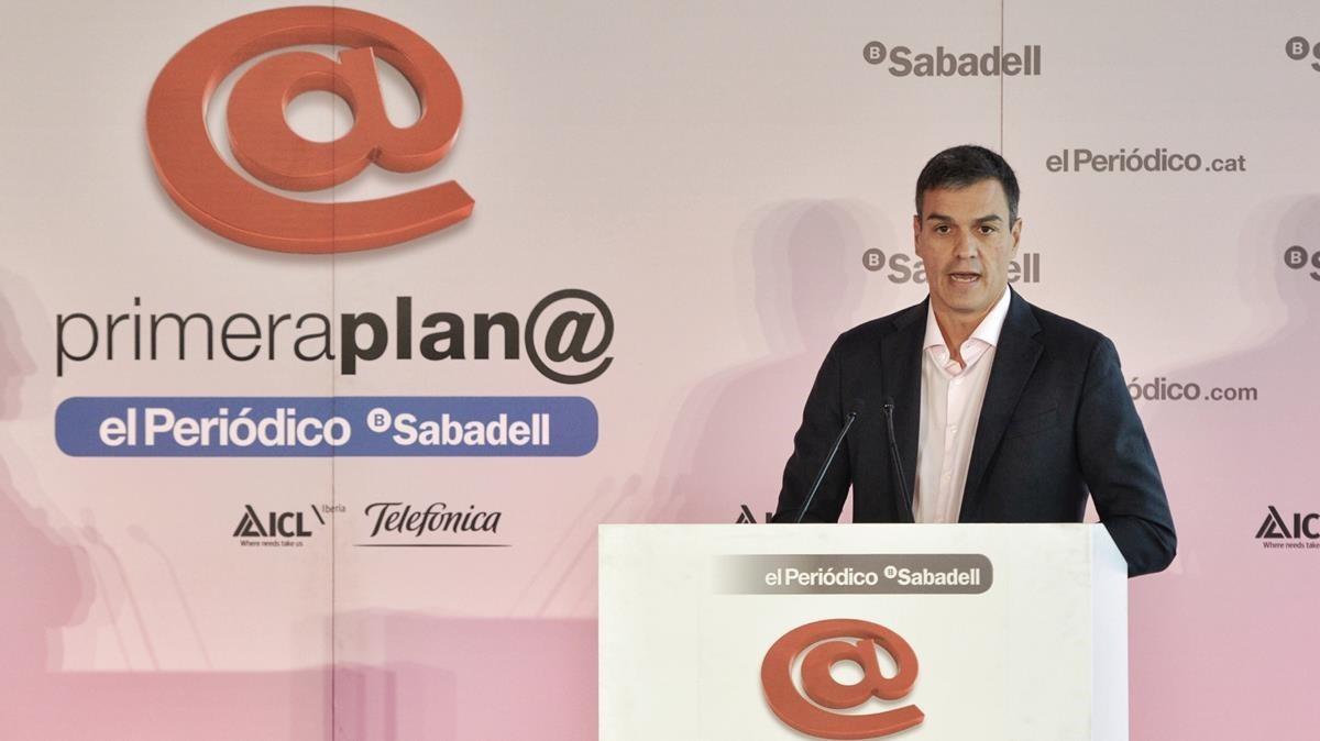 Pedro Sánchez en el coloquio organizado por Primera Plana.