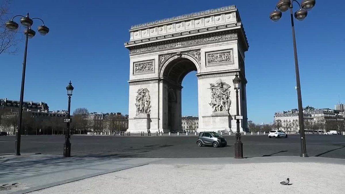 La pérdida de actividad económica en Francia por las medidas para afrontar la crisis del coronavirus, y en particular por el confinamiento de la población, se sitúa en torno al 35 % respecto a lo que sería normal, afirmó este jueves el Instituto Nacional de Estadística (INSEE).