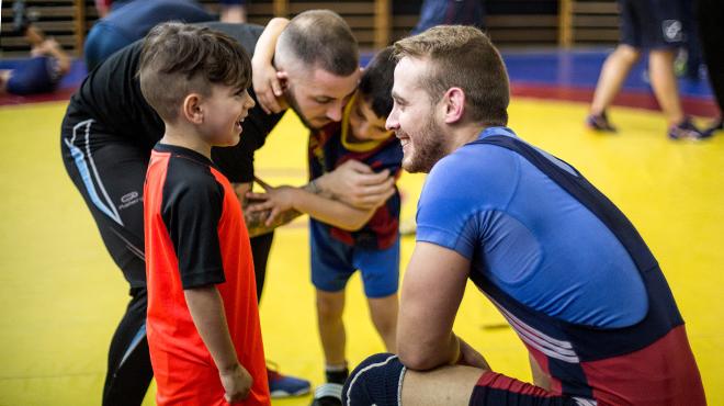 Proyecto social en Baro de Viver, a través de una escuela de lucha libre.