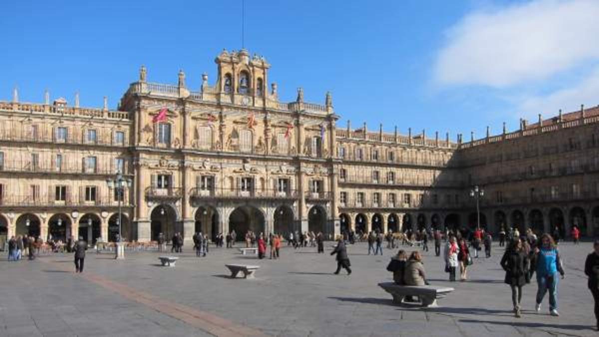 Salamanca estudia recurrir al Supremo para no borrar a Franco de un mural