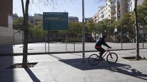 Solar en la calle Marina de Barcelona donde debe construirse el instituto de secundaria Angeleta Ferrer.