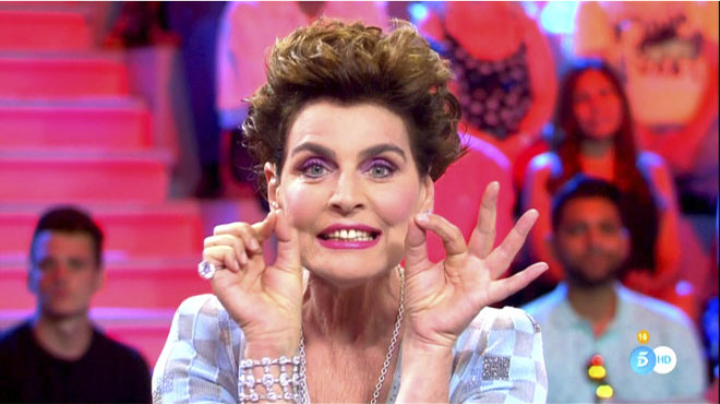 Antonia dell'Atte recordabatalletes amb Ana Obregón, en el programa 'All you need is love... o no', de Tele 5.