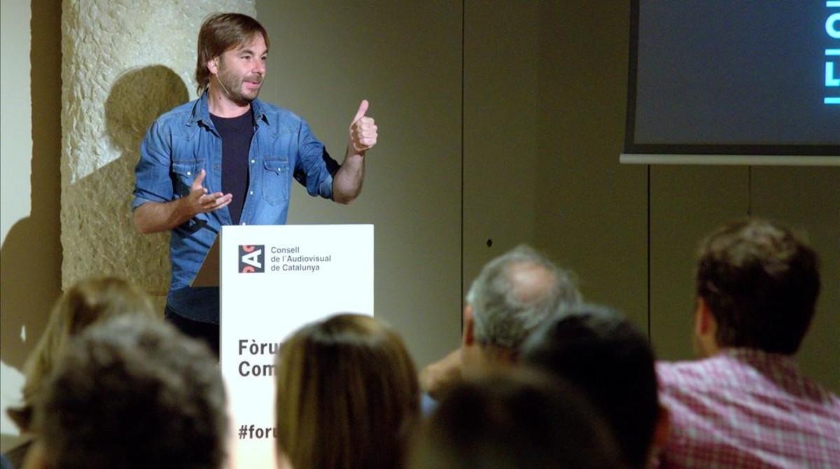 El actor y autor teatral Quim Masferrer, de 'El foraster' (TV-3) en su ponencia en Fòrum de la Comunicació del CAC.