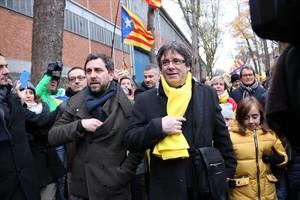 Toni Comín y Carles Puigdemont, en Bruselas el 7 de diciembre pasado.