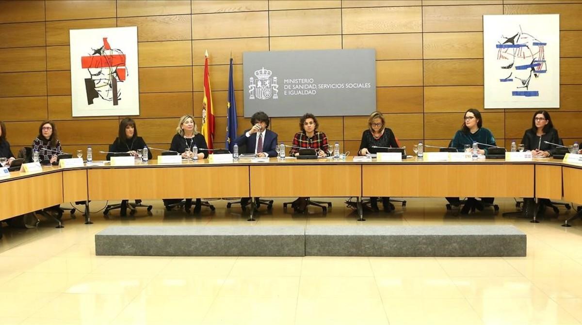 La ministra de Sanidad, Dolors Monserrat, ha presidido este miércoles la Conferencia Sectorial de Igualdad destinada a ratificar el Pacto de Estado contra la violencia machista.