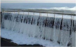 Barcelona invertirà 10 milions d'euros perquè les ones no saltin el dic del Port Olímpic
