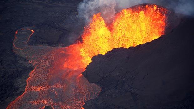 El volcán Kilauea (Hawai) destruye en las últimas horas más de 100 casas debido a los ríos de lava.
