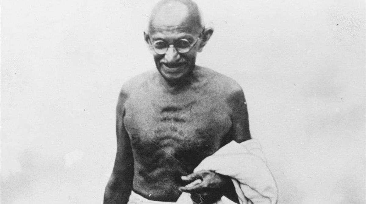 Mahatma Ghandi, principal impulsor de la independencia de la India y apóstol del pacifismo.