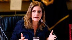 La vicepresidenta del Perú renuncia al càrrec