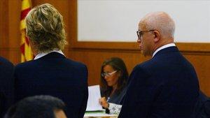María Vaqué y Eduardo Pascual (expresidente de Eurobank) durante el juicio en la Audiencia Nacional.