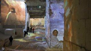 Un aspecto de la exposición daliniana en Les Baux-de-Provence.