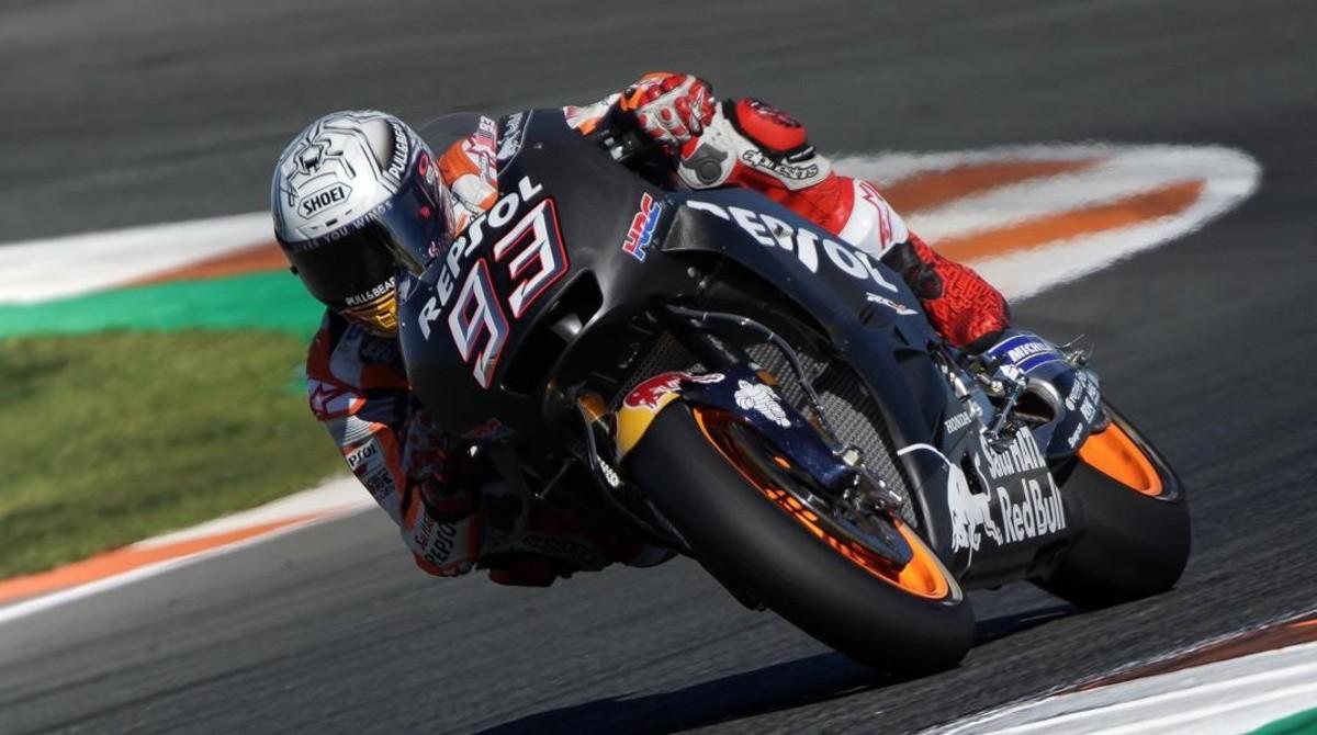 Marc Márquez ha probado hoy, en Cheste (Valencia), el primer prototipo de su moto de 2018 de Honda.