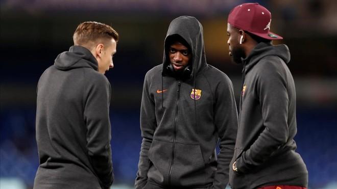 Digne, Dembélé y Umtiti, antes del duelo con el Barça en Stamford Bridge.