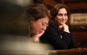Ada Colau, en el pleno del Ayuntamiento, tras la aprobación de los presupuestos.