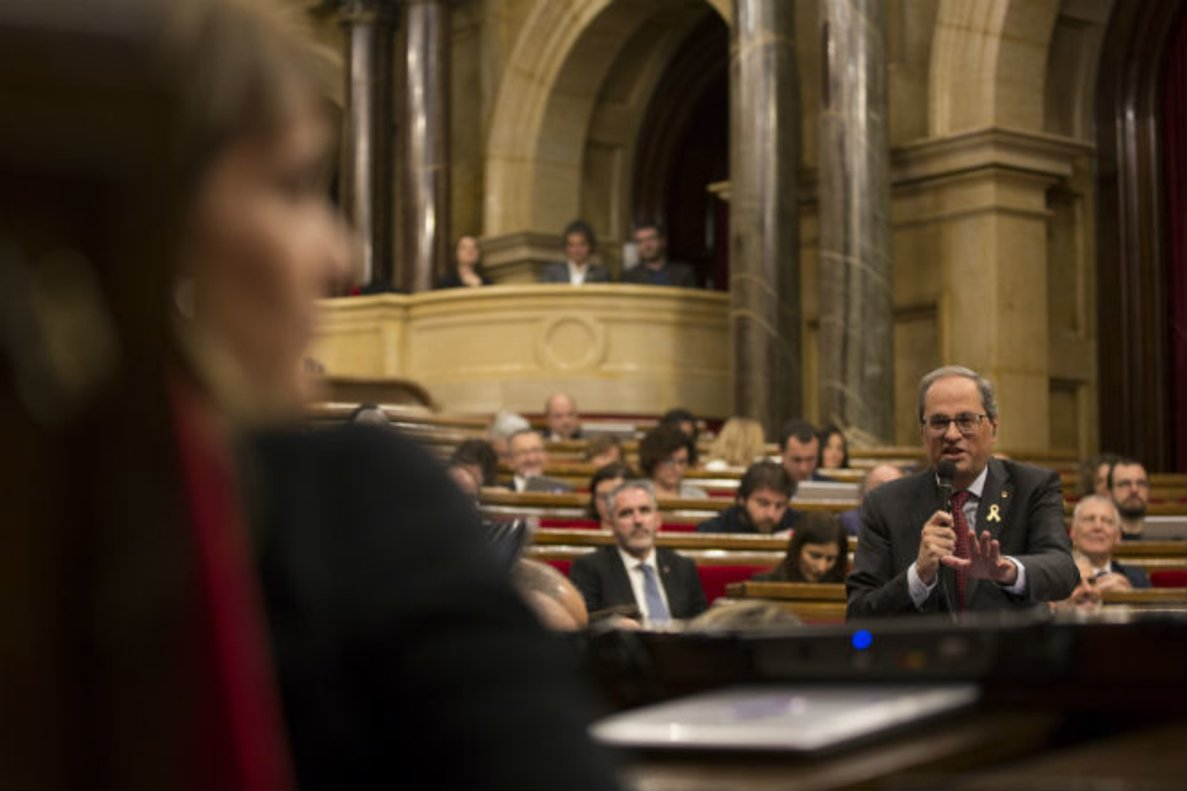 Quim Torra se dirige a Jéssica Albiach, en el Parlament.
