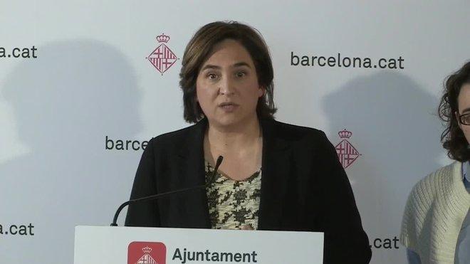 La alcaldesa de Barcelona, Ada Colau, ha considerado este miércoles que la propuesta de acuerdo que presentó anoche la Generalitat a los taxistas es de sentido común.