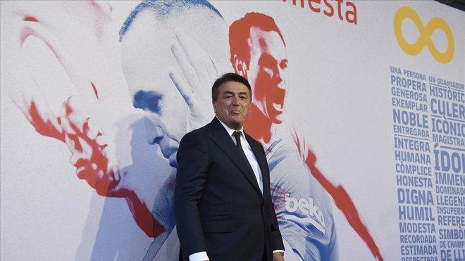 Antic, en el acto de homenaje a Iniesta en el Camp Nou.