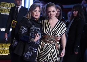 Carrie Fisher acudió al estreno con su hija,Billie Lourd.