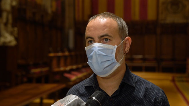 El concejal Eloi Badia explica el refuerzo de limpieza en Barcelona para combatir el coronavirus.
