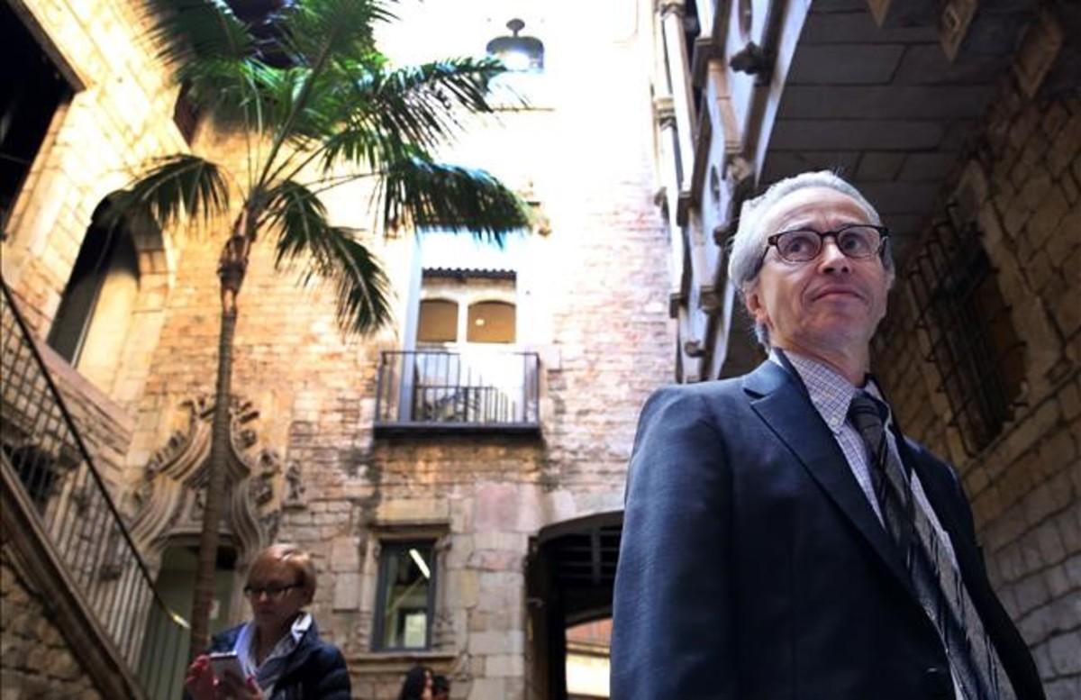 Emmanuel Guigon, director del Museu Picasso, en uno de los patios del centro.