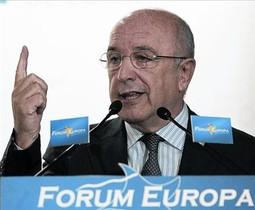 El eurocomisario Joaquín Almunia, durante su intervención ante el Fórum Europa, ayer, en Madrid.