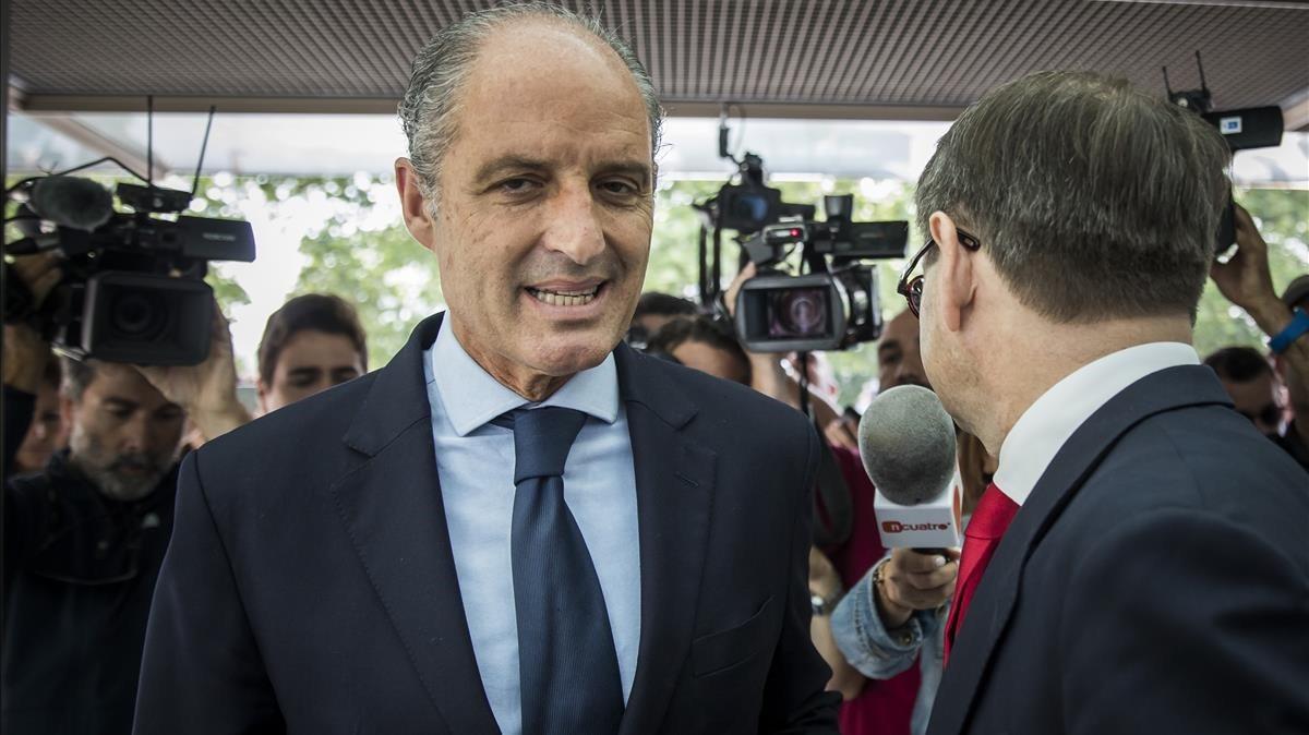 El expresidente valenciano Francisco Camps, a su llegada a los juzgados para declarar por el caso de la F1.