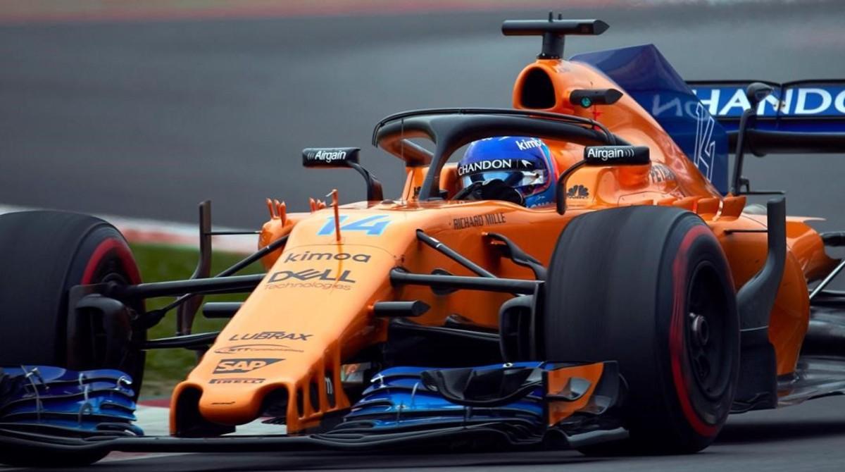 Fernando Alonso, aunque tenía fiesta, ha vuelto a subirse hoy, en Montmeló, al McLaren-Renault.